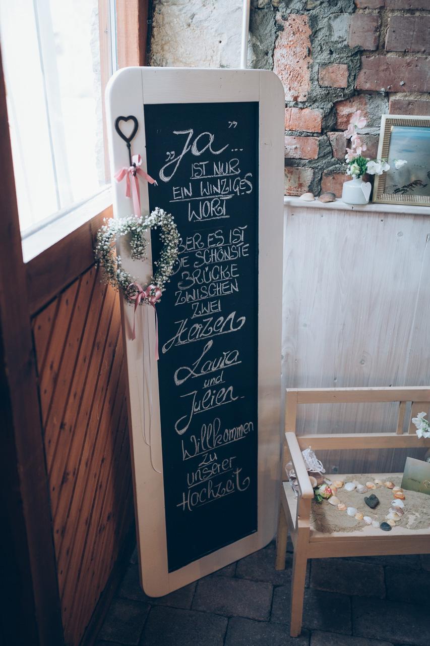 Hochzeitsdekoration - Tafel mit Zitat